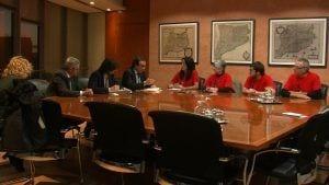 Una delegació de la plataforma Trens Dignes en la reunió amb el conseller de Territori, Josep Rull
