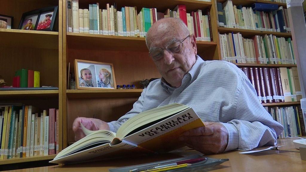Joan Beltran, en el despatx de casa seua.
