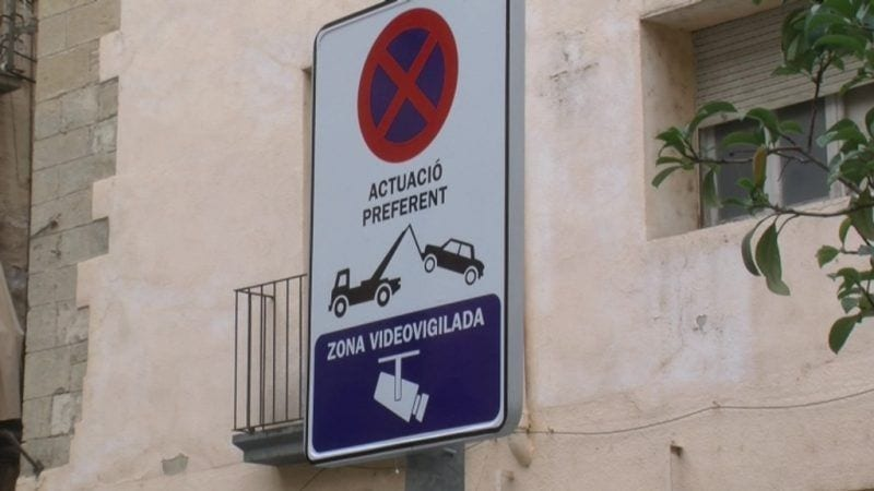 L'Ajuntament de Tortosa instal·la una càmera de videovigilància per controlar el trànsit al nucli antic