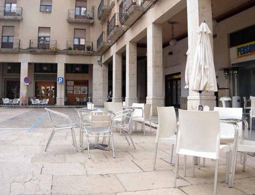 El vot de Junts per Tortosa 'amb el cap ben alt' evita el canvi de nom de la plaça d'Espanya