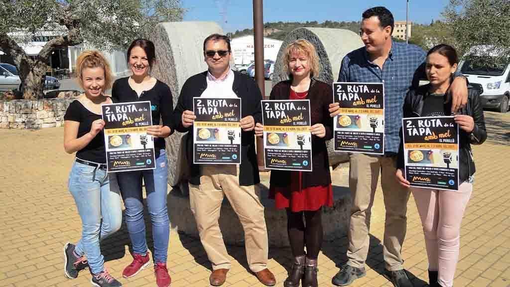 Representants de Mel Muria i restauradors del Perelló / Cedida