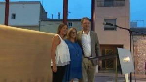 La nova alcaldessa,Anna Rehues, a l'esquerra, acompanyada d'Esther Vidal i Ferran Bel