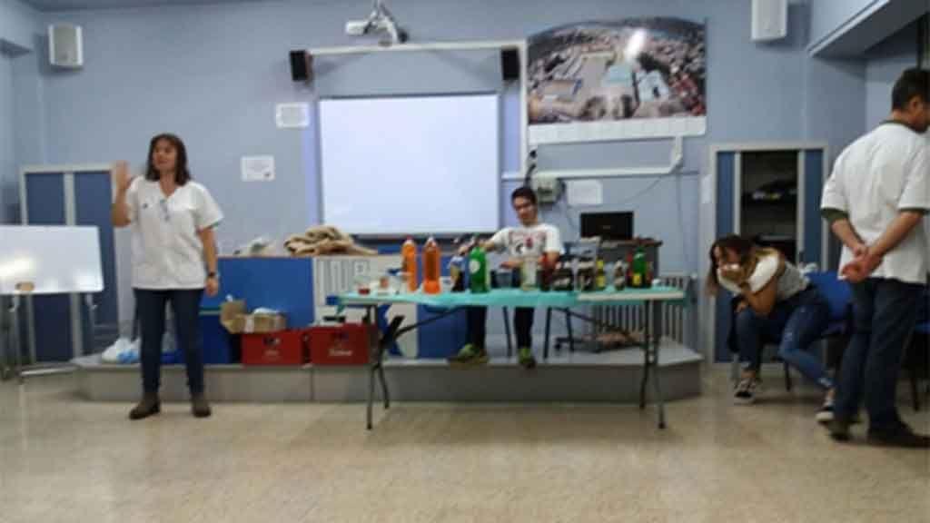 Un dels tallers organitzats durant la setmana de sensibilització sobre el consum d'alcohol /ICS