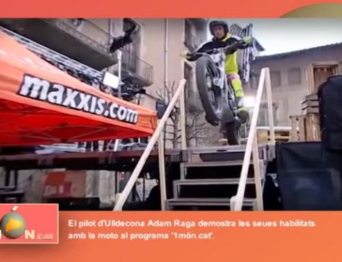 1món.cat. Adam Raga demostra les seues habilitats amb la moto
