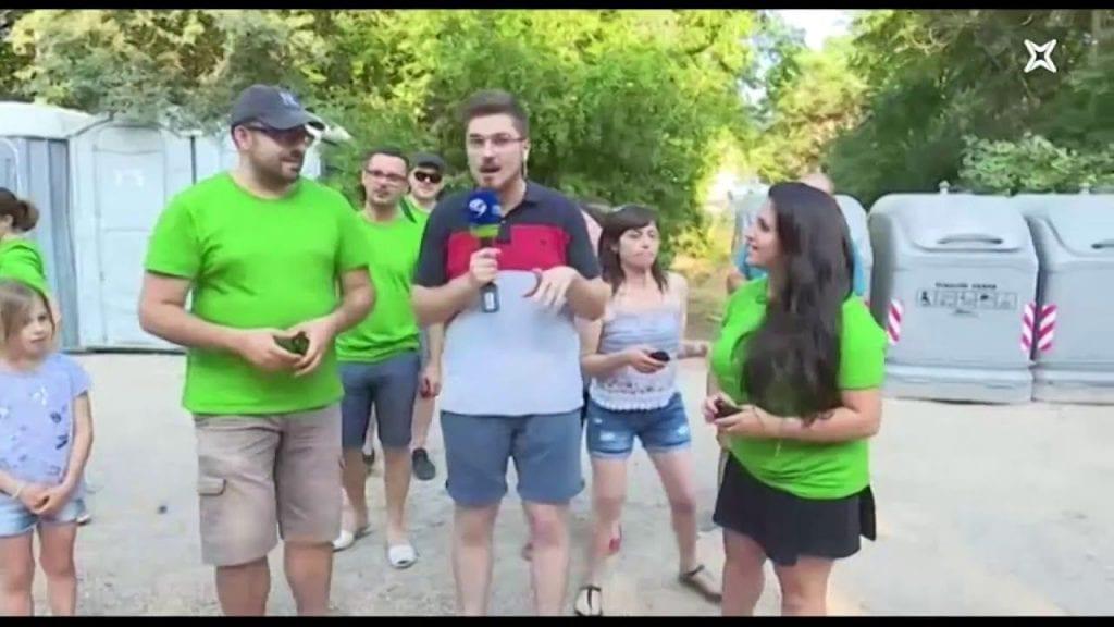 A Roquetes llencen els mòbils en un concurs per fer punteria