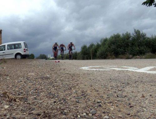Pili Comes i Albert Torres s'imposen al triatló cros de Campredó