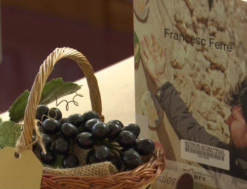 La biblioteca de Móra la Nova s'endinsa, un any més, al món del vi
