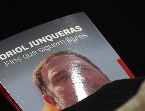 """L'excap de gabinet del president d'ERC, Sergi Sol, presenta el seu llibre """"Oriol Junqueras. Fins que siguem lliures"""" a Tortosa"""