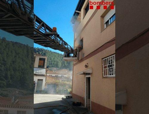 Quatre intoxicats per fum en l'incendi de la cuina d'un hotel a Benifallet