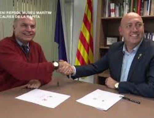 Signatura del conveni entre Repsol i el Museu de la Mar de Sant Carles de la Ràpita.