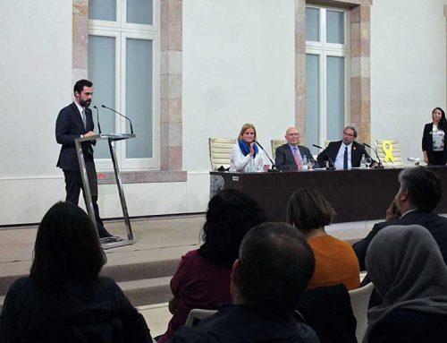 Clam per la llibertat de Carme Forcadell al Parlament de Catalunya