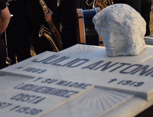 Emotiu homenatge a la figura de l'escultor morenc Julio Antonio pel centenari