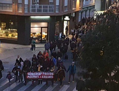 Multitudinària manifestació reclamant la llibertat dels presos polítics