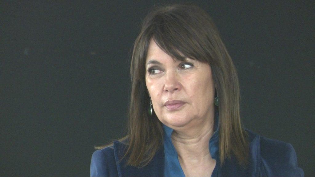 Mabel Lozano durant la presentació del seu documental 'El proxeneta' a l'Institut de l'Ebre