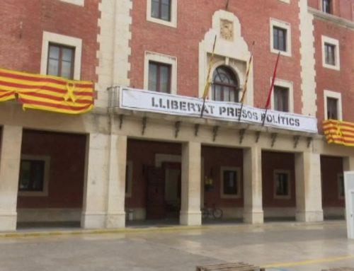El PSC diu que l'ajuntament de Tortosa també hauria de treure la pancarta dels presos