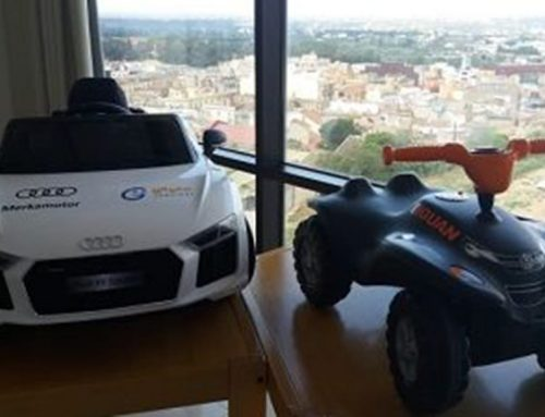 Dos cotxes infantils per als nens atesos als centres de l'ICS Ebre