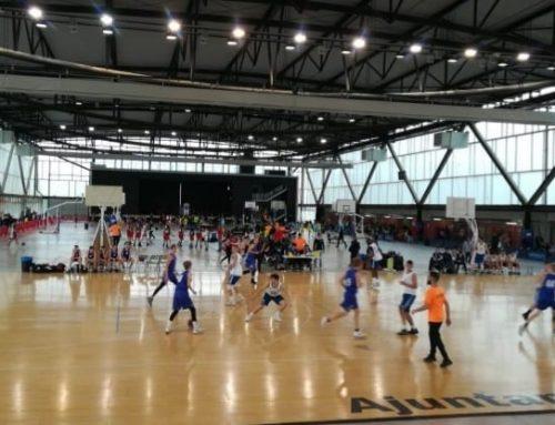 El pavelló de Remolins acull jugadors i acompanyants del torneig Zarabasket Cup 2019 d'Amposta