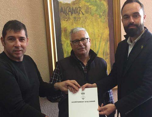 L'Ajuntament signa un conveni amb l'Associació Ciclista d'Alcanar
