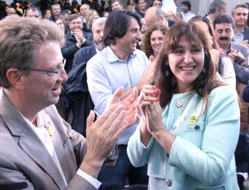 JxCat acusa ERC de prioritzar investir Pedro Sánchez a Carles Puigdemont al seu míting de Tortosa