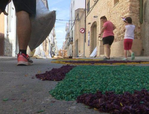 El Perelló s'omple de color amb les catifes de Corpus
