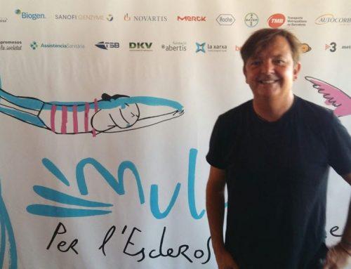 Ignasi Blanch signa la imatge de Mulla't per l'Esclerosi Múltiple