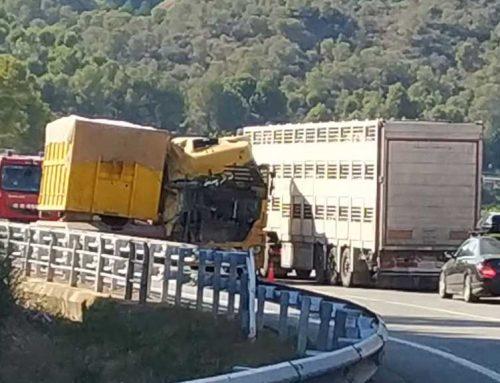[VÍDEO] ATENCIÓ: Greu accident a la C-12 entre Xerta i Benifallet