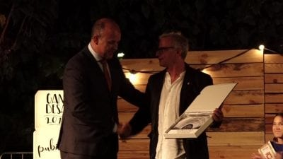 L'alcalde de Gandesa, Carles Luz, amb Joan Franaces Gras, pregoner de les festes majors 2019.