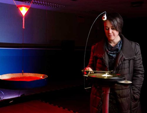 Kathy Hinde presenta a Lo Pati una instal·lació escultòrica sonora sobre el canvi climàtic i el desgel