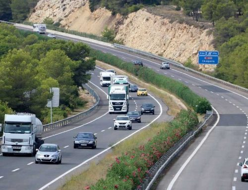 Més de 2 milions de camions desviats cap a l'autopista en el primer any de restriccions a l'N-340 i l'N-240
