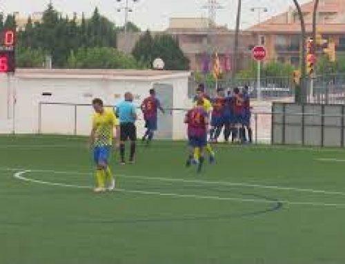Victòria de la Sénia, en afegit, a Camarles (1-2)
