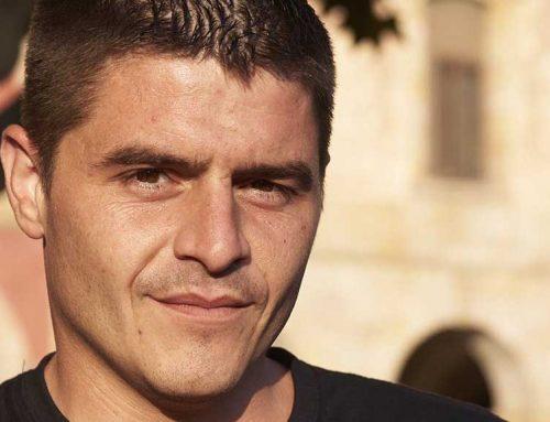 Rai López, engega una campanya original per salvar els cítrics ebrencs