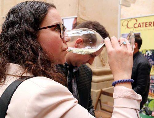 34 cellers escalfen la Festa del Vi de la Terra Alta a la jornada professional de Corbera d'Ebre