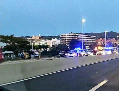 Un motorista resulta ferit lleu en un accident al Pont del Mil·lenari de Tortosa