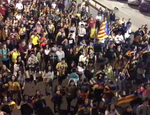 Unes 200 persones es manifesten i tallen la C-12 a Tortosa per reclamar la llibertat dels presos polítics