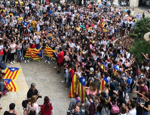 Tortosa viu les primeres protestes al carrer contra la sentència del Procés