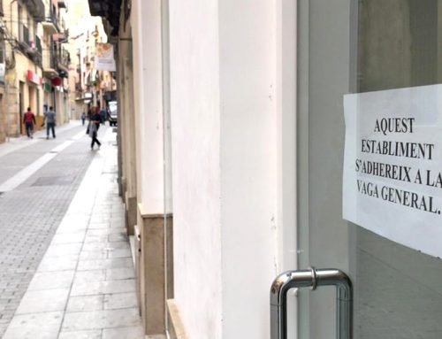 Nombrosos comerços de Tortosa s'han adherit a la vaga general pels drets i les llibertats