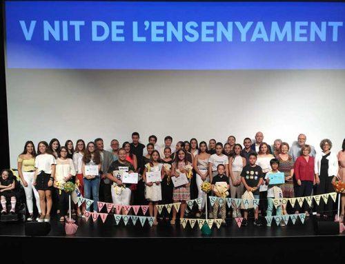 Una quarantena d'estudiants i professors homenatjats a la V Nit de l'Ensenyament de la Ràpita