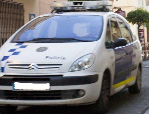 Detenen dos homes encaputxats per un robatori amb força a l'Ampolla