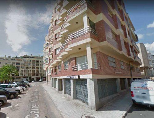 Una fuita de gas obliga a desallotjar 12 veïns d'un bloc de pisos de la Ràpita
