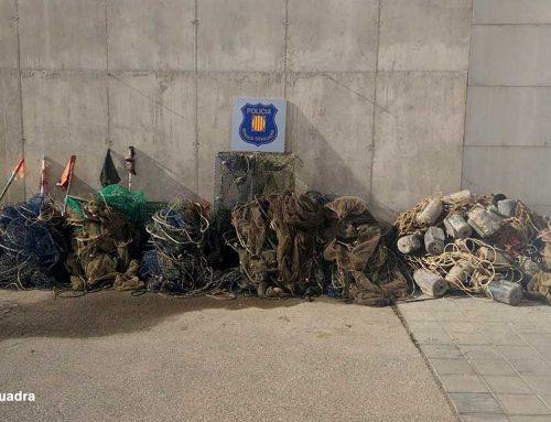 Els Mossos decomissen arts de pesca calats il·legalment a la desembocadura del riu Ebre