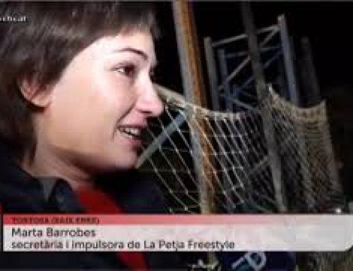 Alumnes de l'Institut Dertosa s'inicien a l'skate amb la Petja Freestyle Center