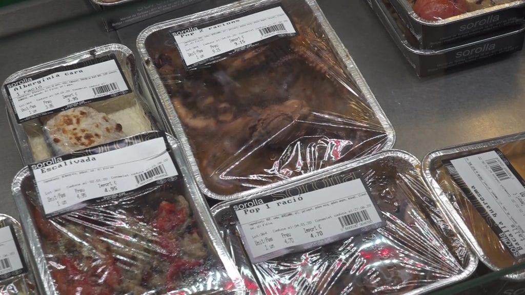 Menjar preparat de Sorolla bacallaners, al Mercat de Tortosa