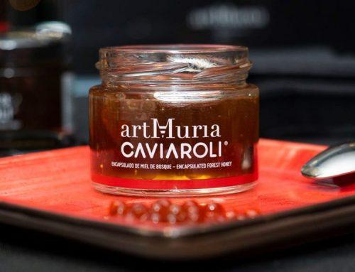 Caviaroli i artMuria introdueixen al mercat el 'caviar de mel' elaborat amb esferificacions de mels de taronger i bosc