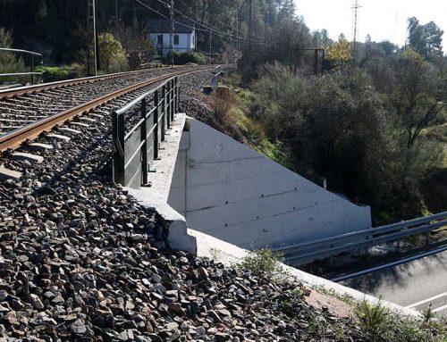 Mor un excursionista a Garcia en caure al buit des del pont del tren