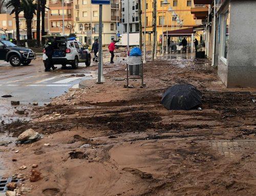 L'Ampolla es recupera dels estralls provocats per les barrancades que han inundat el centre del nucli urbà