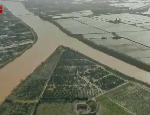 Primeres imatges aèries del desastre natural que ha provocat el temporal al delta de l'Ebre