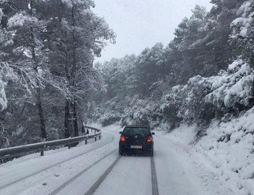 La carretera d'Horta de Sant Joan a Bot, una de les més afectades per la nevada a la Terra Alta