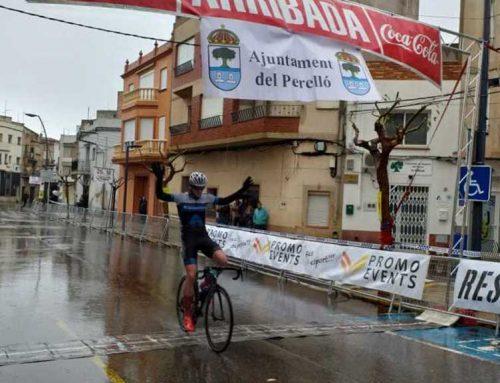 Stephan Bakker estrena amb triomf al Perelló la temporada de ruta ciclista catalana