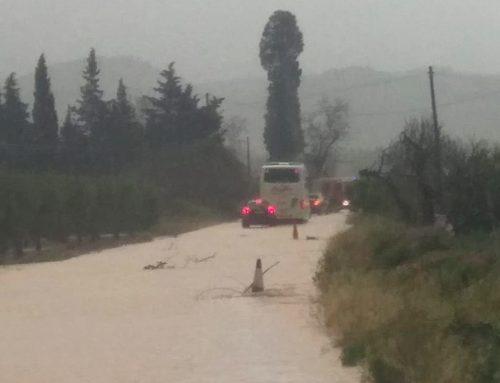 Tallada la carretera T-301 entre Bítem i Tivenys per inundacions a la calçada