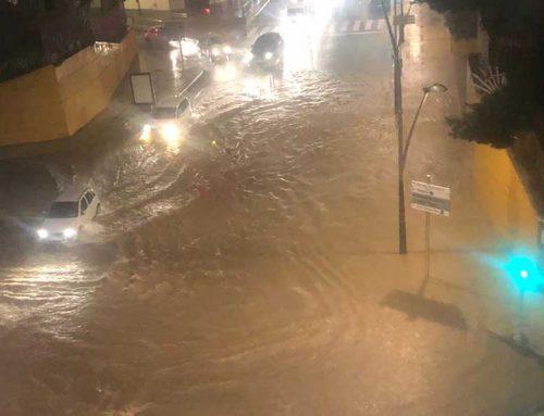 Una forta tempesta provoca nombroses incidències a la ciutat de Tortosa